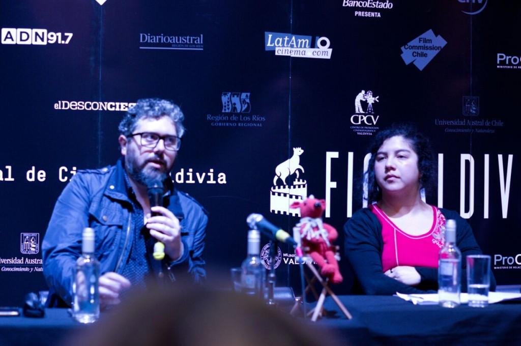 """Panel público """"Contracultura, educación y accesos no comerciales al cine"""""""