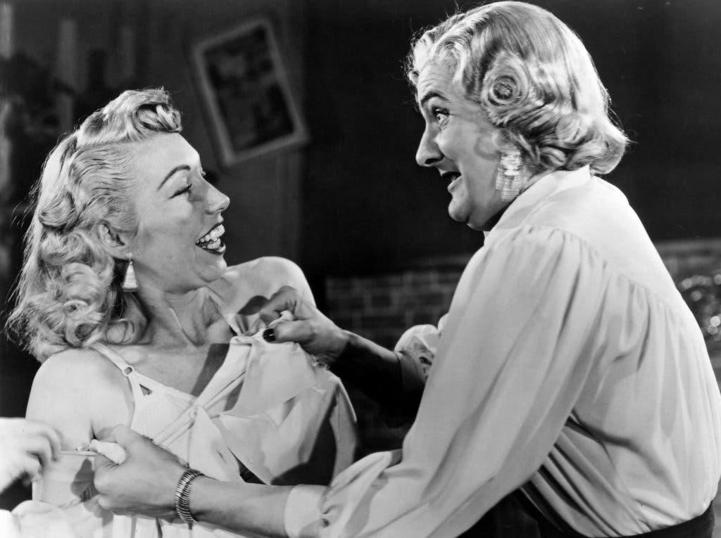 Dolores Fuller en «Glen o Glenda», junto a Ed Wood